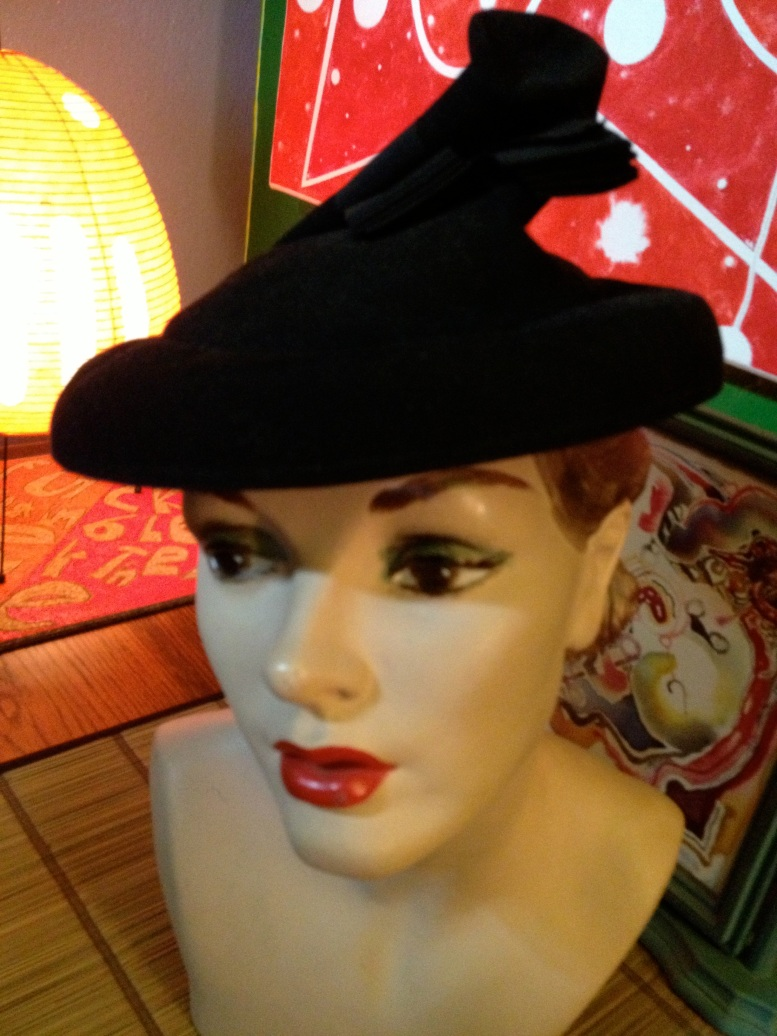 black felt twisty hat 1